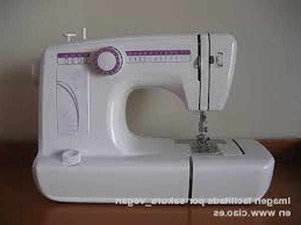 Machine a coudre et broderie